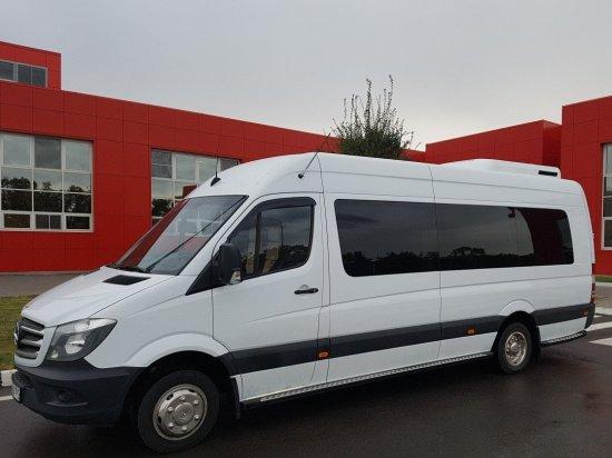 Микроавтобус с водителем